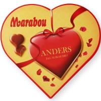 Kärlekspresent till pojkvän med choklad med personligt meddelande